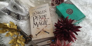 Die dunklen Pfade der Magie von A. K. Larkwood